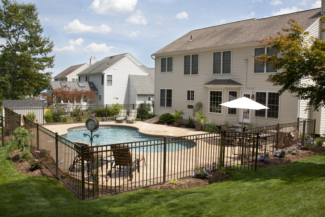 Why a pool fence will help you sell your home fast for Shome home